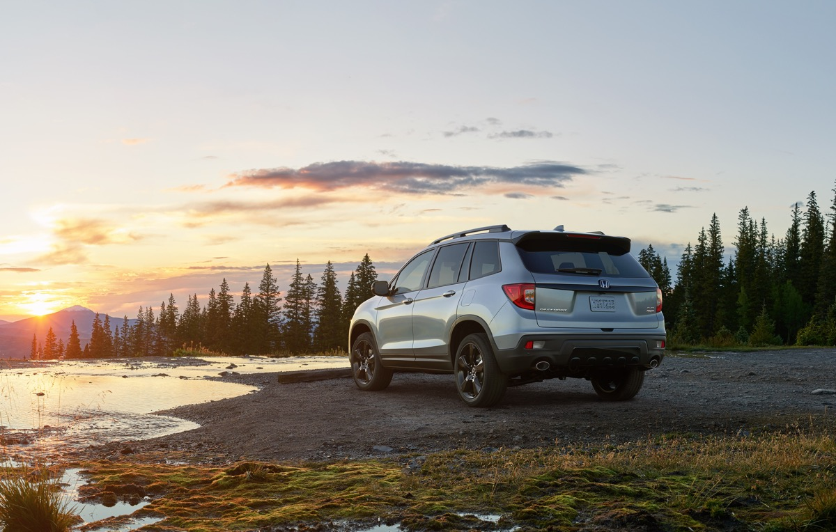 Adventure-Ready 5-passenger SUV Honda Passport